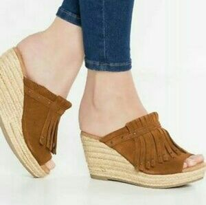 Minnetonka Quinn Wedges